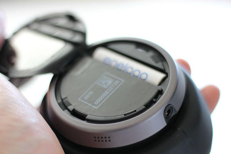 Eine AAA Batterie für die Geräuschunterdrückung
