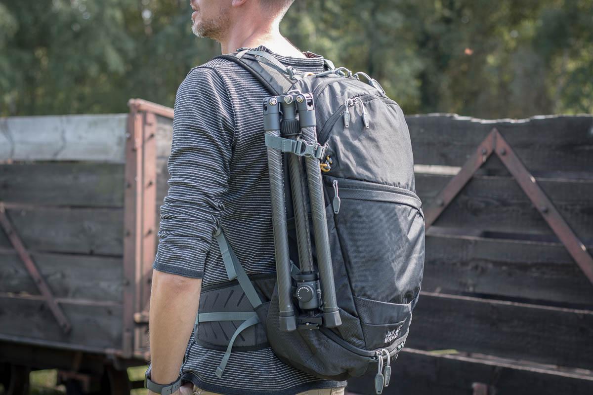 Das City Traveler XL ist bequem außen am Rücksack, durch seine Kompaktheit aber auch im Rucksack zu verstauen.